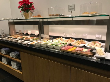 Cathay Pacific Lounge (3)